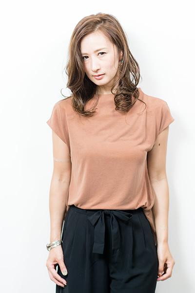 色気のある束感×大人カジュアル PHOTO1